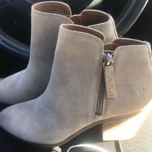 Brand New w Tags Frye Women's Ankle Booties Sz 6